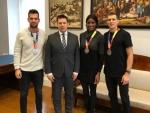 MMil hõbemedalid võitnud Magnus Kirt, Maicel Uibo ja Shaunae Miller-Uibo külastasid Stenbocki maja